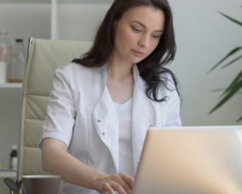 Assinatura digital de prontuários chega a clínicas e consultórios